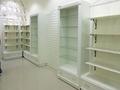Торговое оборудование для магазинов,  витрины,  стеллажи,  полки,  шкафы,  торговая м